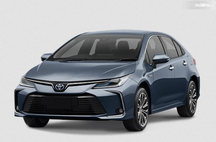 Gambar ini menunjukkan sisi depan Mobil Toyota Corolla Altis Hybrid 2019