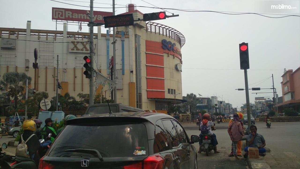 Foto Persimpangan SGC Cikarang Bekasi