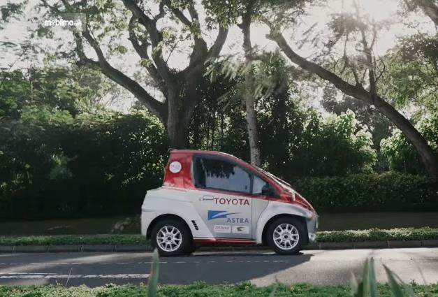 Salah satu mobil listrik Toyota untuk memberikan layanan EV Smart Mobility di Bali