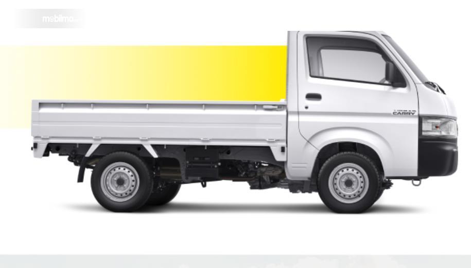 Gambar ini menunjukkan sisi samping Mobil Suzuki Carry Pick Up facelift 2021