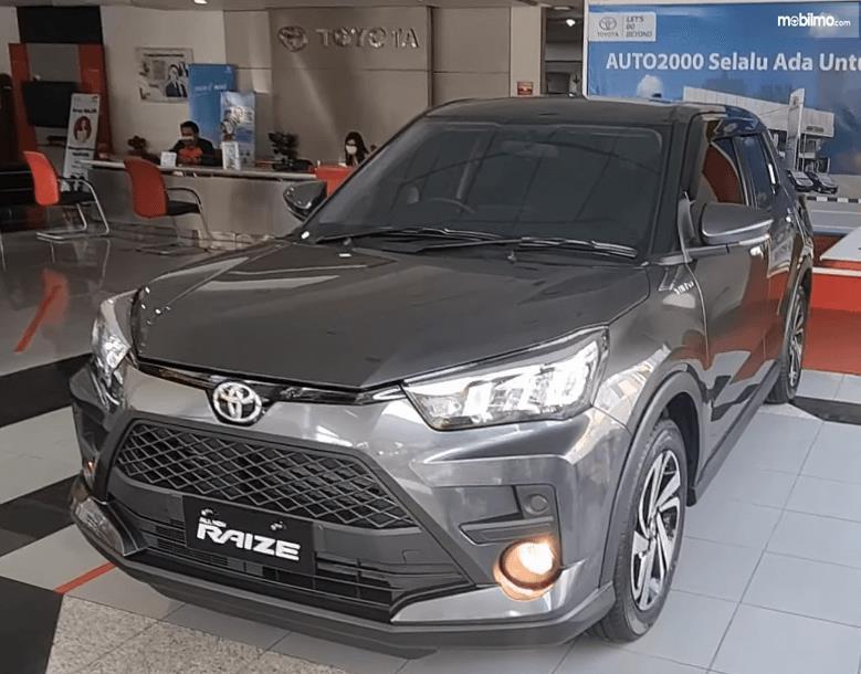 Gambar ini menunjukkan bagian depan Toyota Raize G 1.0T M/T One Tone 2021