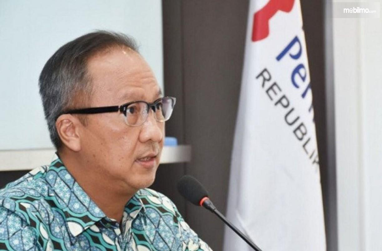 Foto Menteri Perindustrian Agus Gumiwang Kartasasmita