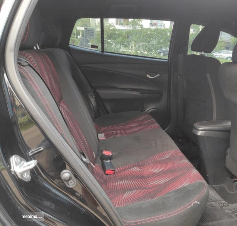 Gambar ini menunjukkan jok Toyota Yaris TRD Sportivo CVT 2020