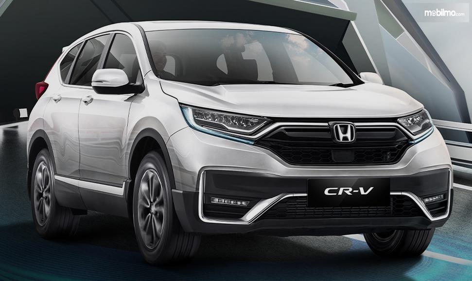 Gambar ini menunjukkan Mobil Honda CR-V tampak depan