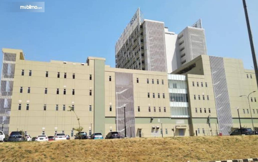 gambar ini menunjukkan Rumah Sakit Universitas Indonesia Depok