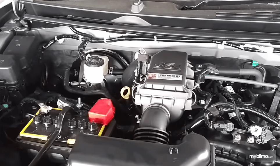 Gambar ini menunjukkan mesin 1.5L milik Toyota Rush