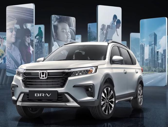 Gambar ini menunjukkan mobil All New Honda BR-V tampak depan