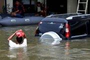 Waspada, Beberapa Resiko Mobil Terkena Banjir Yang Perlu Diketahui!