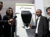 Bersama Pertamina, BMW Perkenalkan Dispenser Pengisian Mobil Listrik
