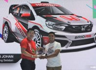 "Sisihkan 562 Desain, Julian Johan Juara 1 Kontes ""Honda Brio Virtual Modification"""