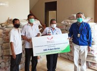 Ringankan Beban di Hari Raya, Wuling Sumbang 600 Paket Beras Untuk Warga