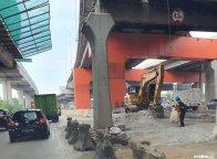 Usai Libur Lebaran, Pembongkaran JPO KM 10+550 Ruas Jakarta-Cikampek Dilanjutkan