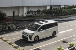 Daftar Harga Toyota All New Voxy Terupdate