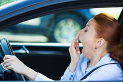 Tips Kuat Berkendara Dengan Mobil Saat Berpuasa