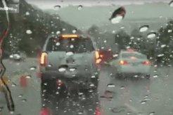 Ingin Berkendara Saat Hujan Deras? Jangan Nekat, Perhatikan Dulu Tipsnya Supaya Aman