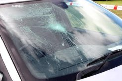 Penyebab Kerusakan Kaca Depan Mobil Dan Cara Menghindarinya