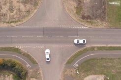 Sistem Intersection Priority Management dari Ford Siap Hapus Lampu Merah