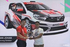 """Sisihkan 562 Desain, Julian Johan Juara 1 Kontes """"Honda Brio Virtual Modification"""""""