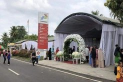 Menantang Bahaya, SPBU Jadi Panggung Pesta Pernikahan