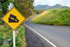 Bahaya Mengintai, Jangan Bergantung Pada Rem Saat Melewati Turunan Panjang