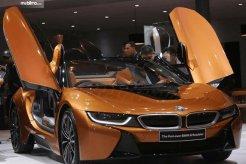 Review BMW i8 Roadster 2018: Mobil Mewah Dengan Dua Mesin