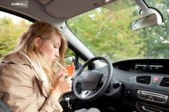 Suka Merokok di Dalam Mobil, Ini Kerugian Yang Harus Ditanggung