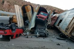 Nahas, Lusinan Mobil Mahal Jadi Korban Kecelakaan KA dan Langsung Jadi Rongsok