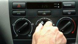Mengaktifkan AC Mobil Setelah Mesin Dinyalakan, Apakah Bahaya?