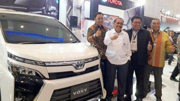 Toyota Pajang 8 Mobil di GIIAS Surabaya 2017, All New Voxy Jadi Unggulan
