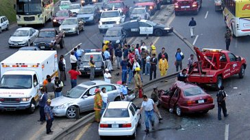 Bukan Perilaku Terpuji, Menonton Kecelakaan Lalu Lintas