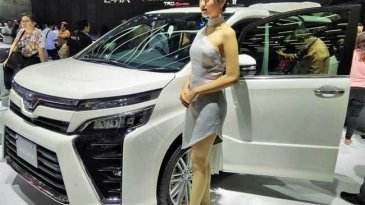 Inden 2018, Harga Toyota Voxy Naik 6 Juta Rupiah