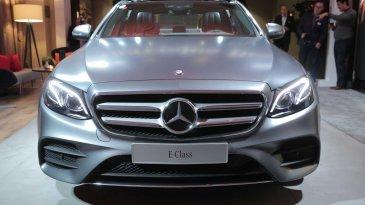 Selisih Tipis, Penjualan Mercedes-Benz Sukses Ungguli BMW