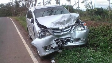 """6 Kebiasaan Buruk Ini Bisa """"Membunuh"""" Mobil Anda"""