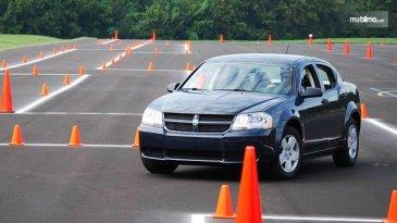 Ini Lokasi Paling Efektif Buat Belajar Mengemudi Mobil Selain Tempat Kursus