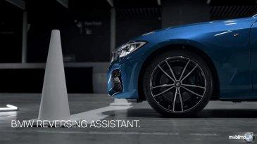 Ada Fitur Ini, BMW Seri 3 Terbaru Bisa Mundur Sendiri di Gang Sempit