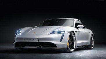 Porsche Taycan, Mobil Listrik Pertama Porsche Resmi Meluncur di 3 Benua Sekaligus