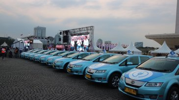 Tunjukkan Dukungan Formula E di Jakarta, Blue Bird Kerahkan 10 Armada Taksi Listrik