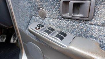 Agar Tidak Seret, Mari Rawat Power Window Mobil Anda