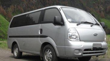 Review KIA Travello 2006: Muat Banyak Penumpang Cocok Untuk Travel