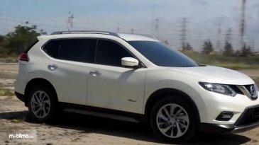 Review Nissan X-Trail Hybrid 2015 : Mobil SUV Hybrid Dengan Fitur Dan Teknologi Canggih