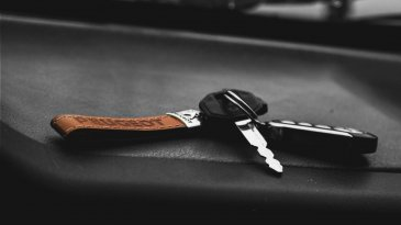 Tips Aman Membeli Mobil Dengan Cara Over Kredit