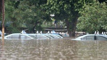 Mobil Matic Kebanjiran, Cukup 3 Hal Ini Yang Boleh Dilakukan Pemilik