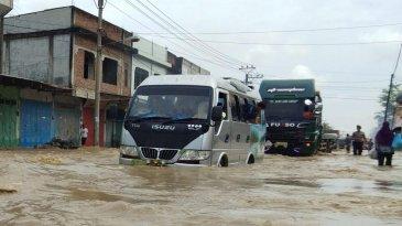 Astra Isuzu Siaga Banjir, Servis Mobil Korban Banjir Diskon Hingga 35 Persen