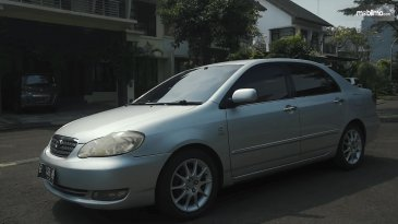 Review Toyota Corolla Altis 1.8 G 2005: Mobil Sedan Dengan Kabin Mewah
