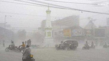 Sebab Pengemudi Ketika Hujan Abu Vulkanik Perlu Lebih Waspada