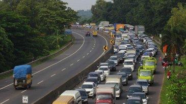 Dibikin Kapok, Truk ODOL Dilarang Lewat Tol Jakarta-Bandung