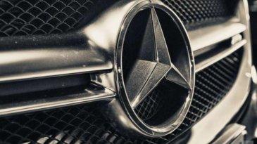 Di Balik Nama Mercedes-Benz Ternyata Ada Gadis Cantik Lho