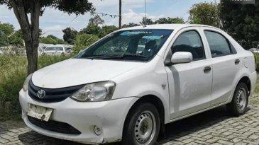Review Mobil Toyota Etios Liva ex-Taksi 2013 : Mobil Sedan Harga Terjangkau