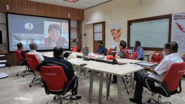Bantu Atasi COVID-19, Mitsubishi Donasikan 9 Ribu Masker N95 ke PMI