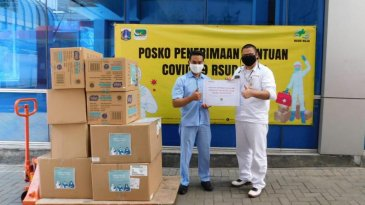 Ikuti Langkah Komunitas, Honda Donasikan 4.000 Masker Medis ke RSUD Karawang